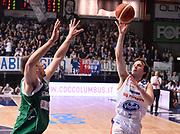 DESCRIZIONE : Cantu' Acqua Vitasnella Cantu' Sidigas Scandone Avellino<br /> GIOCATORE : Brad Heslip<br /> CATEGORIA : tiro penetrazione<br /> SQUADRA : Acqua Vitasnella Cantu'<br /> EVENTO : Campionato Lega A 2015-2016<br /> GARA : Acqua Vitasnella Cantu' Sidigas Scandone Avellin<br /> DATA : 15/11/2015 <br /> SPORT : Pallacanestro <br /> AUTORE : Agenzia Ciamillo-Castoria/R.Morgano<br /> Galleria : Lega Basket A 2015-2016<br /> Fotonotizia : Cantu' Acqua Vitasnella Cantu' Sidigas Scandone Avellin<br /> Predefinita :