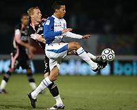 Fotball<br /> Frankrike<br /> Foto: DPPI/Digitalsport<br /> NORWAY ONLY<br /> <br /> FOOTBALL - FRENCH CHAMPIONSHIP 2008/2009 - L1 - AJ AUXERRE v TOULOUSE FC - 28/02/2009 - KAMEL CHAFNI (AJA) / JEREMY MATHIEU (TFC)