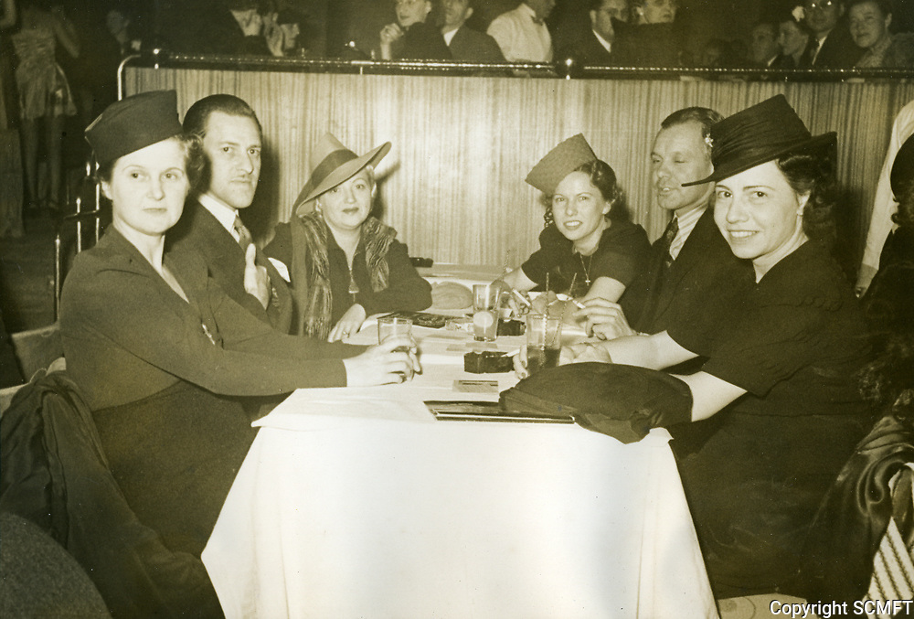 1948 Dinner guests at Earl Carroll Theater