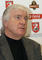 Photo: Dave Linney.<br />Walsall Press Conference. 22/02/2006.Walsall Chairman Jeff Bonser