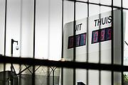 Nederland, Nijmegen, Een omstreden kunstwerk,  scorebord wat sinds 2005 bij de ingang van de Pompekliniek staat. De cijfers op het bord zijn niet waarheidsgetrouw en veranderen voortdurend. Verlof, proefverlof, tbs inrichting, kliniek, psychiatrie, zwaar geweldsmisdijf, moord, moordenaar, behandeling, ontsnappen, ontsnapping, maatschappelijke onrust.Foto: Flip Franssen