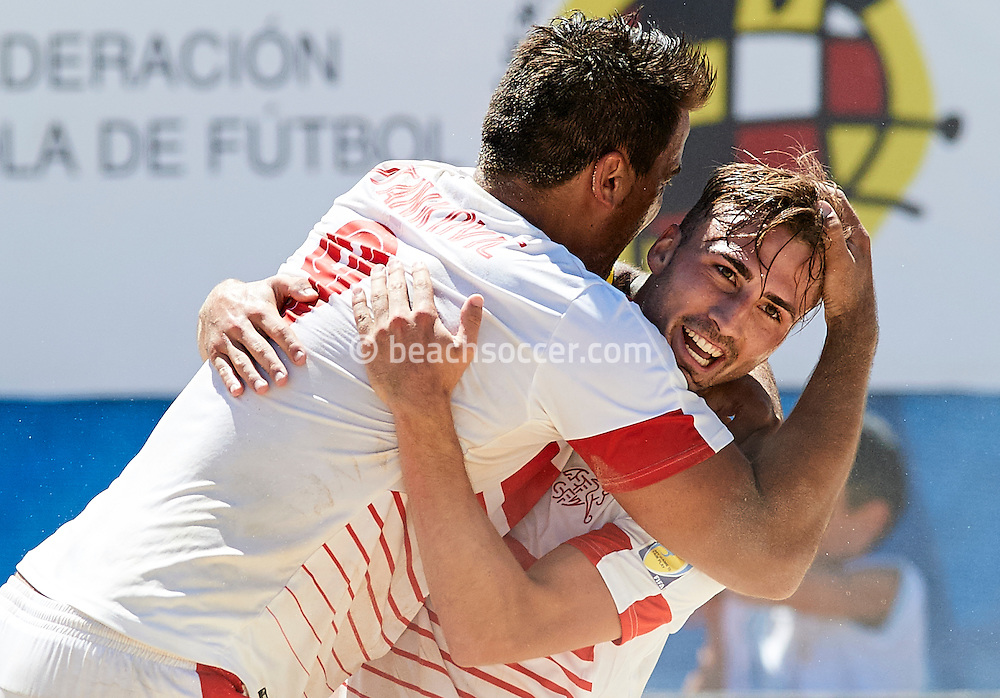 Switzerland team-mates Stankovic and Ott celebrate during the Euro Beach Soccer League 2016 in Sanxenxo. (Photo by Manuel Queimadelos)