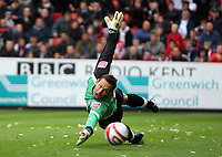 Coca Cola Championship. Charlton v Ipswich. 04.10.08<br /> Pic By Karl Winter Fotosports International<br /> Ipswich keeper richard wright sees Nicky bailey's free kick go past him for the opening goal