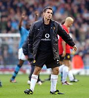 Fotball. Premier League. 09.11.2002.<br /> Manchester City v Manchester United.<br /> Siste ligaoppgjør på Maine Road.<br /> Gary Neville.<br /> Foto: Tim Parker, Digitalsport