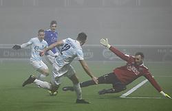 Sebastian Czajkowski og Jeppe Kjær (FC Helsingør) er tæt på at score mod Nicklas Dannevang (Fremad Amager) under kampen i 1. Division mellem FC Helsingør og Fremad Amager den 27. november 2020 på Helsingør Stadion (Foto: Claus Birch).
