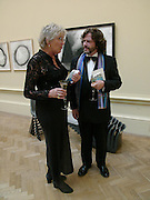 Germaine Greer and  Greg Doran. Royal Academy Annual dinner to celebrate the opening of the Summer exhibition. Royal Academy. Piccadilly. London. 1 June 2005.  ONE TIME USE ONLY - DO NOT ARCHIVE  © Copyright Photograph by Dafydd Jones 66 Stockwell Park Rd. London SW9 0DA Tel 020 7733 0108 www.dafjones.com