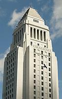 4/28/05- LOS ANGELES- A bird flys by Los Angeles City Hall. David Sprague/Daily News
