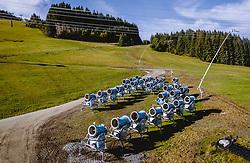THEMENBILD - mehrere Schneekanonen bei der Zwischenlagerung, aufgenommen am 11. Oktober 2019, Kaprun, Österreich // several snow guns for temporary storage on 2019/10/11, Kaprun, Austria. EXPA Pictures © 2019, PhotoCredit: EXPA/ JFK