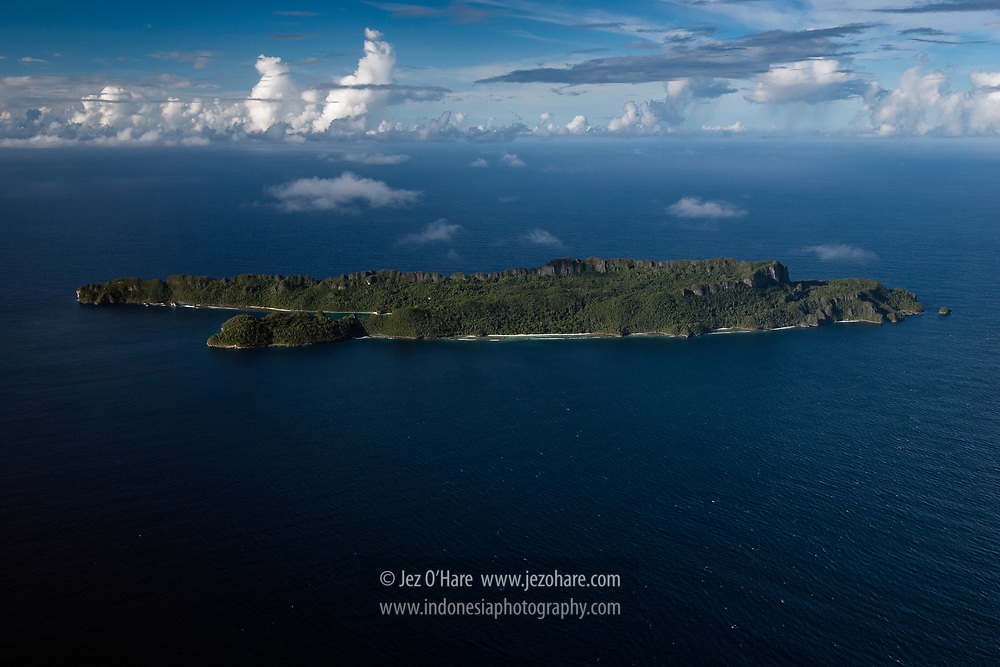 Between Wayag & Waigeo, Raja Ampat, Papua Barat, Indonesia.