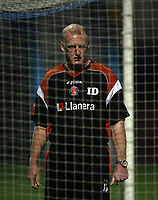 Photo: Paul Thomas.<br /> Chesterfield Town v Charlton Athletic. Carling Cup. 07/11/2006.<br /> <br /> Iain Dowie, Charlton manager.