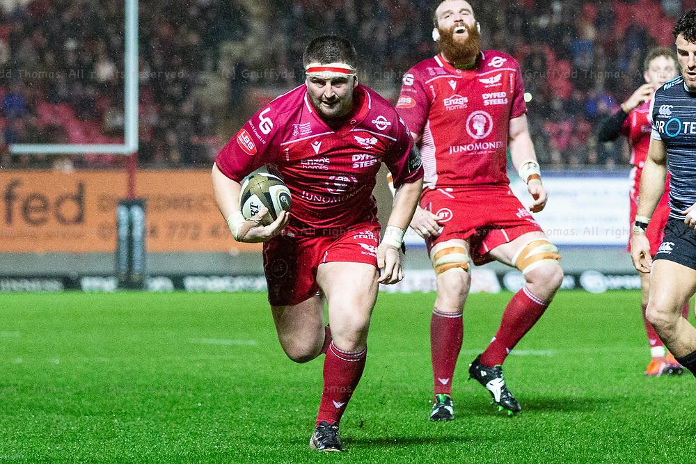26.12.19 - Scarlets v Ospreys - Guinness PRO14 - Wyn Jones of Scarlets