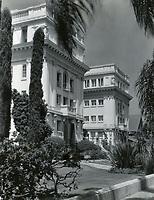 1926 Garden Court Apartments