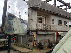 June 6, 2017 - Marawi City, Philippines - To totally knock down the terrorist group Maute/ISIS occupying the Islamic City of Marawi and rescue stranded residents in the continuous war against terror, government soldiers continuously searching every single house in Marawi to clear the town from dangers of terrorism. (Credit Image: © Sherbien Dacalanio/Pacific Press via ZUMA Wire)