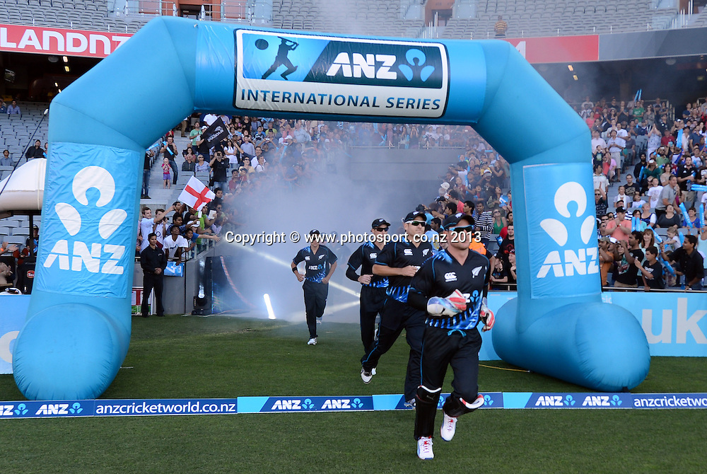 ANZ T20 Series. 1st Twenty20 Cricket International. New Zealand Black Caps versus England at Eden Park, Auckland, New Zealand. Saturday 9 February 2013. Photo: Andrew Cornaga/Photosport.co.nz