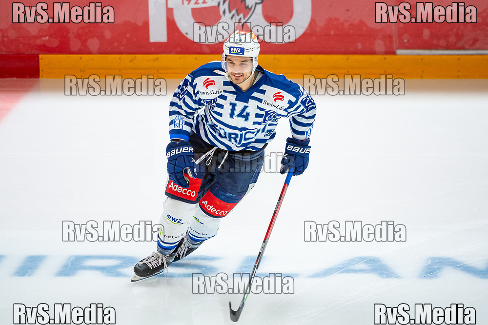 LAUSANNE, SWITZERLAND - OCTOBER 01: Chris Baltisberger #14 of ZSC Lions warms up prior the Swiss National League game between Lausanne HC and ZSC Lions at Vaudoise Arena on October 1, 2021 in Lausanne, Switzerland. (Photo by Robert Hradil/RvS.Media)