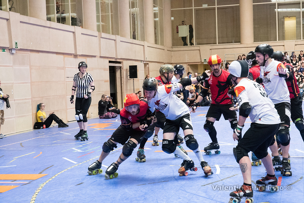 Jammer of Team Spain, #44 QBO, trying to pass Team Belgium players at the MRDWC2018 in Barcelona, Spain.