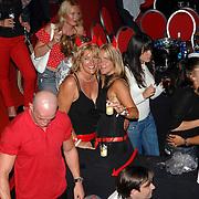 NLD/Amstelveen/20070615 - Special Sport feest 2007, dansvloer, kleurige lichten, disco vloer, drukte