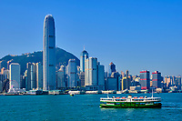 Chine, Hong Kong, Victoria Harbour, traversé entre Kowloon et Hong Kong à bord du Star Ferry // China, Hong Kong, Victoria Harbour, crossing from Central to Kowloon on Star Ferry