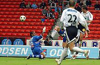 Fotball, 23. juli 2003, NM, If-cup, Rosenborg - Lyn 5-0, Roar Strand legger på til 2-0<br /> <br /> Foto: Carl-Erik Eriksson, Digitalsport