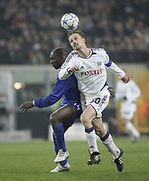 Photo: Barry Bland.<br />RSC Anderlecht v Chelsea. UEFA Champions League.<br />23/11/2005.<br />Chelsea's Geremi (L) and Hannu Tihinen.