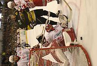 Ishockey, Stavanger, 28/09-03,<br />Stavanger Oilers - Bergen Flyers (2-3)<br />Teemu Kohvakka (Stavanger) skudd gikk ikke inn<br />Foto: Sigbjørn Andreas Hofsmo