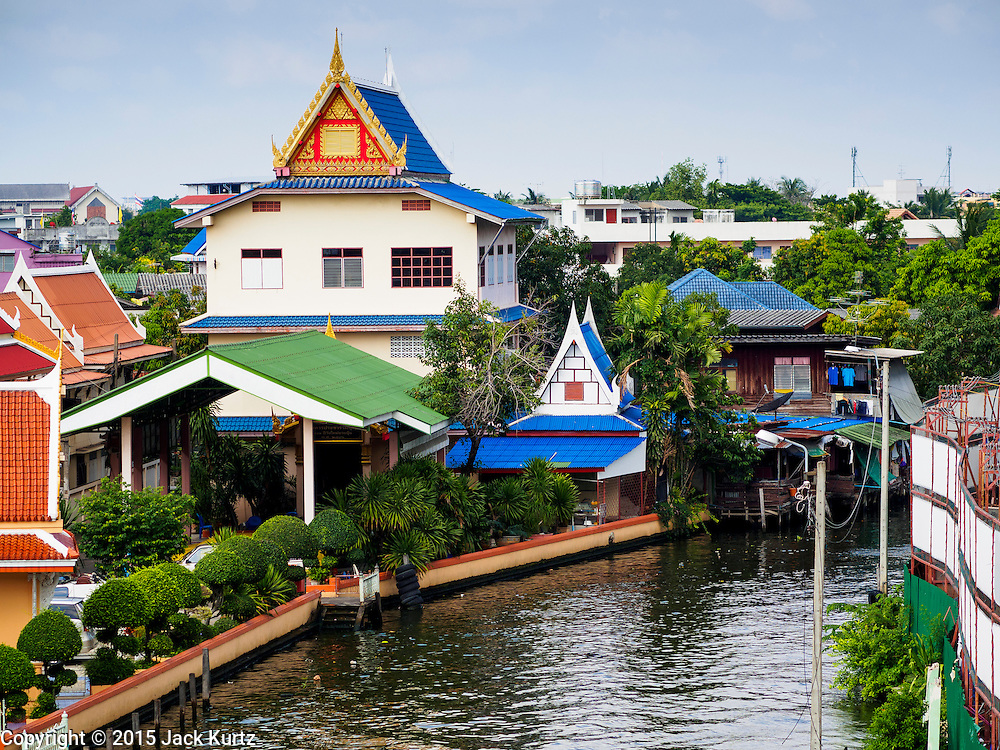 20 APRIL 2015 - BANGKOK, THAILAND:  Wat Mai Yai along Khlong Dan in the Thonburi section of Bangkok.      PHOTO BY JACK KURTZ