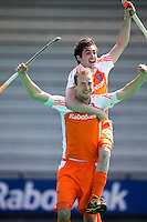 ROTTERDAM - HOCKEY -  ILLUSTRATIE - Vreugde bij  Billy Bakker en Robert van der Horst (r) voor de oefenwedstrijd tussen de mannen van Nederland en Engeland (2-1) . FOTO KOEN SUYK