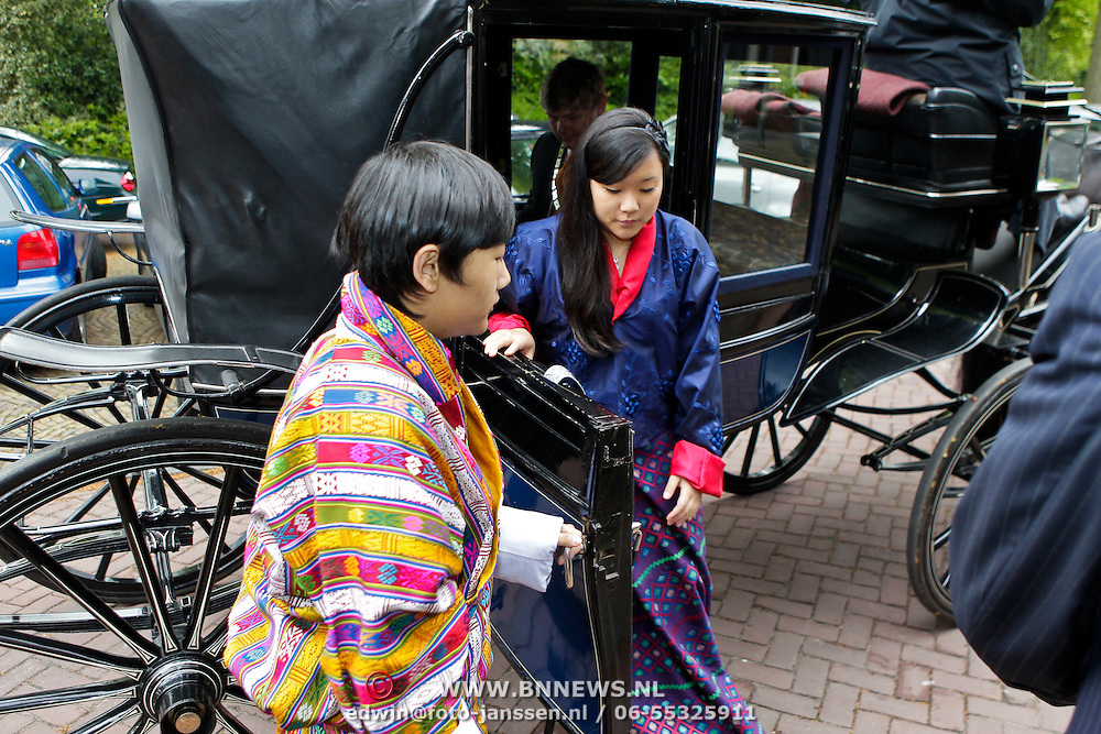 NLD/Laren/20100508 - Koningin Tshering Pem Wangchuck van Bhutan bezoekt Laren, Dasho Jigel Ugen Wangchuck, Ashi  Chimi Yamgzam