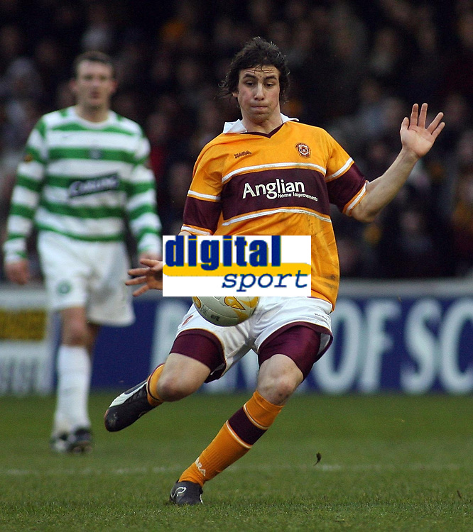 Photo: Paul Thomas.<br /> Motherwell v Glasgow Celtic. Bank of Scotland Scottish Premier League. 30/12/2006.<br /> <br /> Very late goal scorer Darren Smith in action.