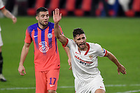 SEVILLE, SPAIN - DECEMBER 02: Sergi Gomez of FC Sevilla and Mateo Kovacic of Chelsea FC during the UEFA Champions League Group E stage match between FC Sevilla and Chelsea FC at Estadio Ramon Sanchez-Pizjuan on December 2, 2020 in Seville, Spain. (Photo by Juan Jose Ubeda/MB Media)