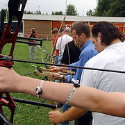 NLD/Hilversum/20050702 - Open dag bij handboog schutterij Kininelaantje 4 Hilversum