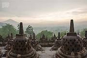 2013 11 08 Tearsheet Travesias magazine Mexico Java Indonesia 05 Borobudur