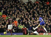 Photo: Lee Earle.<br /> Arsenal v Chelsea. The Barclays Premiership. 18/12/2005. Chelsea's Joe Cole scores their second.