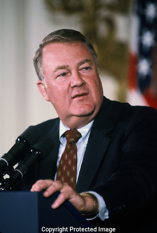 Ed Meese speaking to the American Retail Association in May 1984<br /> Photo by Dennis Brack