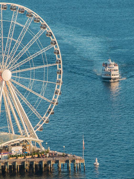 United States, Washington, Seattle, Great Wheel ferris wheel and ferry