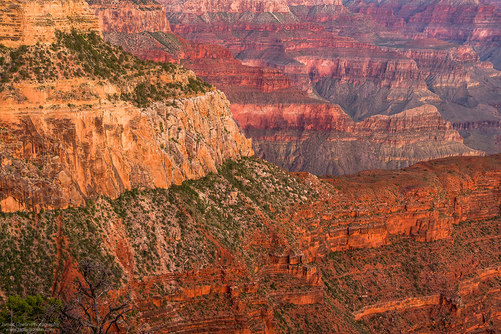 View of Grand Canyon from Hopi Point at sunrise