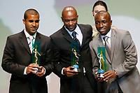 """20091207: RIO DE JANEIRO, BRAZIL - Brazilian Football Awards 2009 (""""Craque Brasileirao 2009""""), held at the Museum of Modern Art in Rio de Janeiro. In picture: L-R - Julio Cesar (Goias) - Best left defender, Pablo Armero (Palmeiras, 2nd), Kleber (Internacional, 3rd). PHOTO: CITYFILES"""