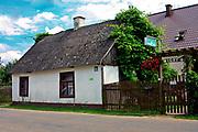 Stara chałupa we wsi Wigry na Suwalszczyźnie, Polska<br /> Old cottage in the village Wigry on the Suwałki Region, Poland