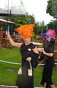 Rebecca Elcock and Nicola Trayner. Royal Ascot Race meeting Ascot at York. Wednesday, 15 June 2005. ONE TIME USE ONLY - DO NOT ARCHIVE  © Copyright Photograph by Dafydd Jones 66 Stockwell Park Rd. London SW9 0DA Tel 020 7733 0108 www.dafjones.com