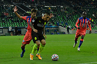 KRASNODAR, RUSSIA - OCTOBER 28: César Azpilicueta of Chelsea and Cristian Ramírez of FC Krasnodar take each other on during the UEFA Champions League Group E stage match between FC Krasnodar and Chelsea FC at Krasnodar Stadium on October 28, 2020 in Krasnodar, Russia. (Photo by MB Media)