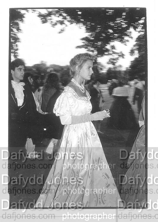 Nicola Johnson. West Wycombe Picnic, 17 July '88 © Copyright Photograph by Dafydd Jones 66 Stockwell Park Rd. London SW9 0DA Tel 020 7733 0108 www.dafjones.com