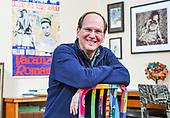 Steve Strogatz Portrait for Quanta