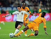 Fotball , 18. november 2009 , Tyskland - Elfenbenskysten<br /> v.l. Piotr Trochowski , Guy Demel , Emmanuel Eboue<br /> <br /> Norway only