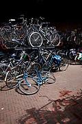 Fietsenstalling bij treinstation Hollands Spoor, Den Haag - Bicycle parking near trainstation Hollands Spoor, The Hague.