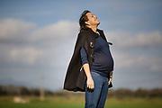 Esperant el vostre fill? Feu-vos una sessió de fotografia d'embaràs.