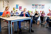 DRACHTEN, 17-09-2020 <br /> <br /> Streekbezoek van Koning Willem-Alexander en  Koningin Máxima aan Zuidoost-Fryslân waar het paar een bezoek bregen aan de Gemeente Smallingerland, Fryske taal en cultuur<br /> <br /> <br /> Regional visit of King Willem-Alexander and Queen Máxima to Southeast Fryslân