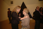 CLARE COOMBS AND JANET WILSON, Jane and Louise Wilson,-'The New Brutalists' Lisson Gallery. Bell st.  opening AFTER-PARTY. 16 May 2006 ONE TIME USE ONLY - DO NOT ARCHIVE  © Copyright Photograph by Dafydd Jones 66 Stockwell Park Rd. London SW9 0DA Tel 020 7733 0108 www.dafjones.com