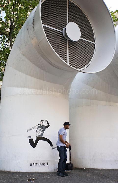 Mimi the Cown kicking some ass 'Running in Paris', Centre Pompidou, Paris.