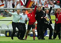 Jubel Bundestrainer Juergen Klinsmann, Co-Trainer Joachim Loew, Torwarttrainer Andreas Koepke<br /> Fussball WM 2006 Viertelfinale Deutschland - Argentinien<br /> Tyskland - Argentina<br /> Norway only
