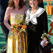 Koningsdag 2014 in de Rijp, het vieren van de verjaardag van de koning. / Kingsday 2014 in the Rijp , celebrating the birthday of the King. <br /> <br /> <br /> Op de foto / On the photo:   Prinses Anita en Prinses Margiet / Princess Anita and Princess Margiet